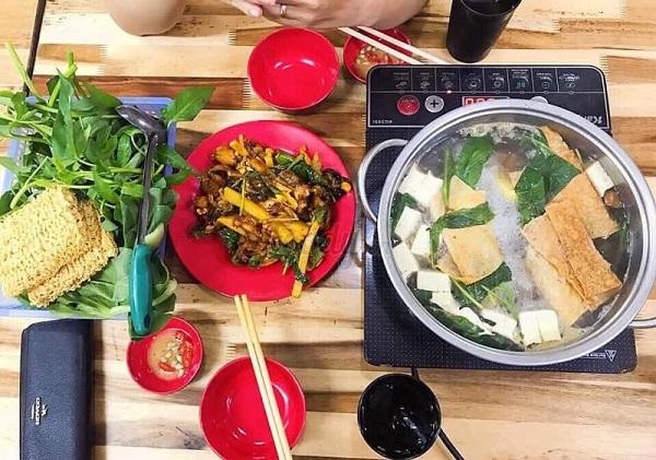 Lee Tống - Quán lẩu ếch ngon ở Hà Nội